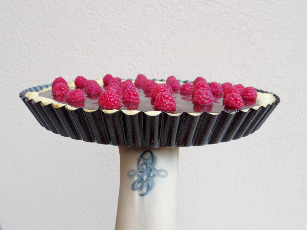 Torta-al-cioccolato-morbido-e-lamponi01