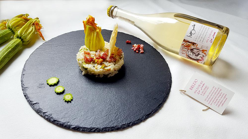 Risotto-con-zucchine-i-suoi-fiori-e-speck-croccante2