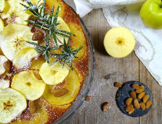 Torta rovesciata di mele al miele e rosmarino