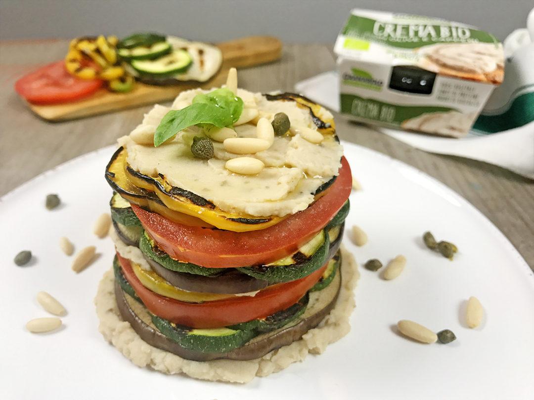 Torretta di verdure con crema bio con olive e capperi